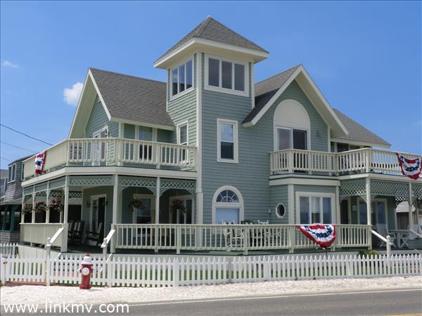 115 Sea View Avenue, Oak Bluffs, MA