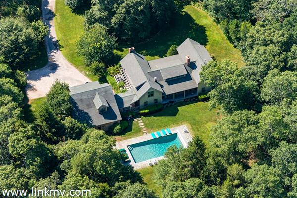 20 Flint Hill Road, West Tisbury, MA