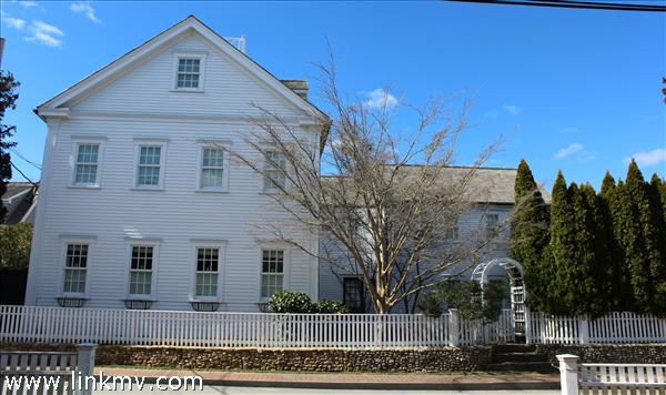56 Cottage Street, Edgartown, MA
