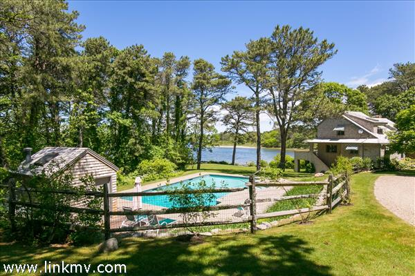 10 Bachelder Avenue, Edgartown, MA