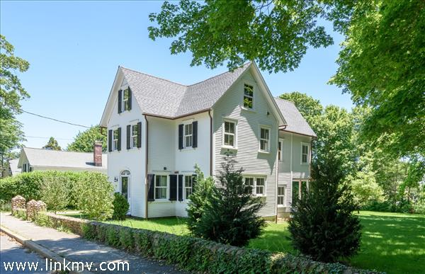 27 William Street, Vineyard Haven, MA
