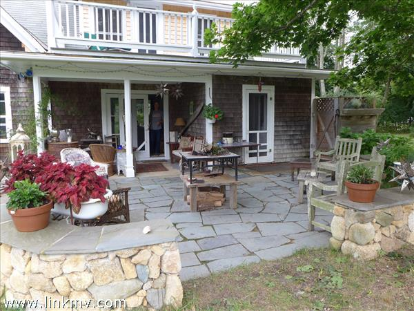 401 Lamberts Cove Road, West Tisbury, MA