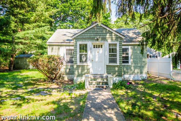 572 Main Street, Vineyard Haven, MA