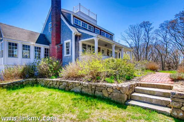 101 Memphremagog Avenue, Vineyard Haven, MA