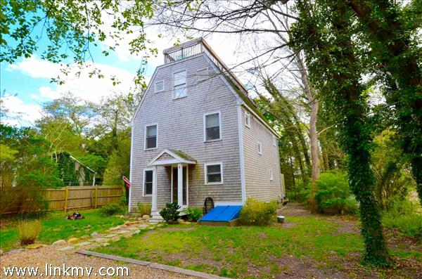62 Foster Avenue, Vineyard Haven, MA