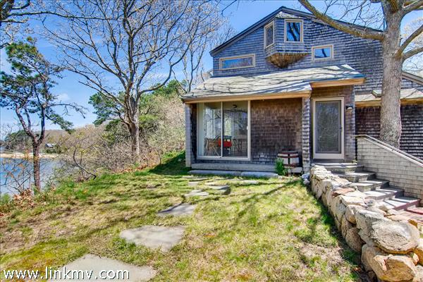 13 Hubbard Lane, Oak Bluffs, MA