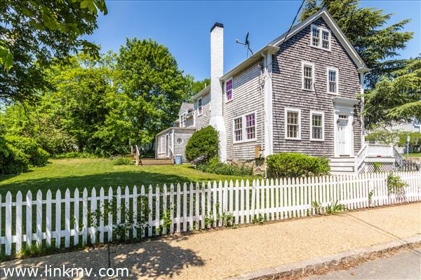 84 William Street, Vineyard Haven, MA