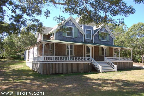 16 Atlantic Avenue, Oak Bluffs, MA