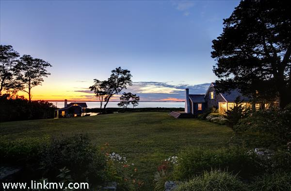 556 Chappaquonsett Road, Vineyard Haven, MA