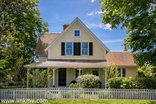 22 Pierce Lane Edgartown MA
