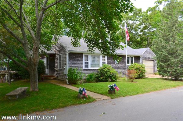 25 Uncas Avenue, Oak Bluffs, MA