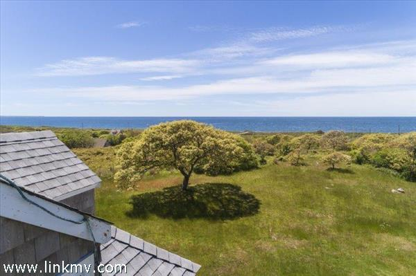 10 Deer Path, Aquinnah, MA