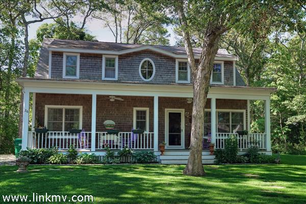 26 Bernard Circle, Vineyard Haven, MA