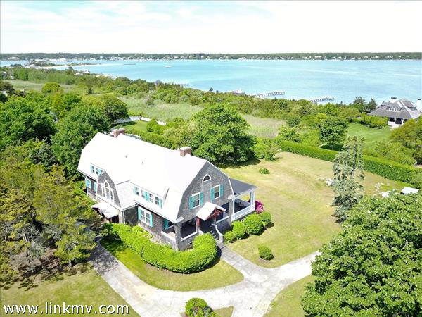 14 Temahigan Avenue, Oak Bluffs, MA