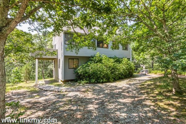 4 Calebs Common Lane, Edgartown, MA