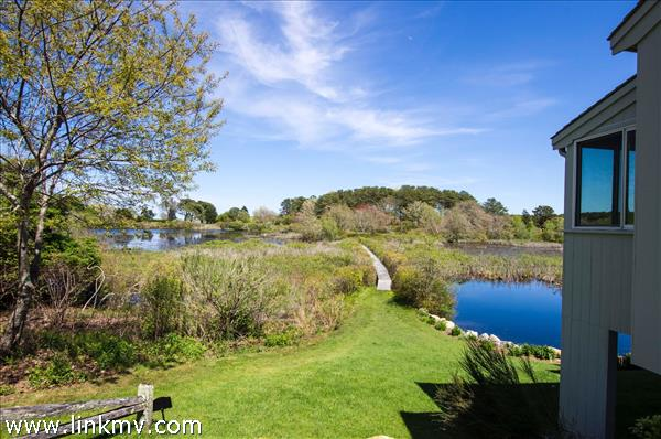 15 Harvester Way, Oak Bluffs, MA