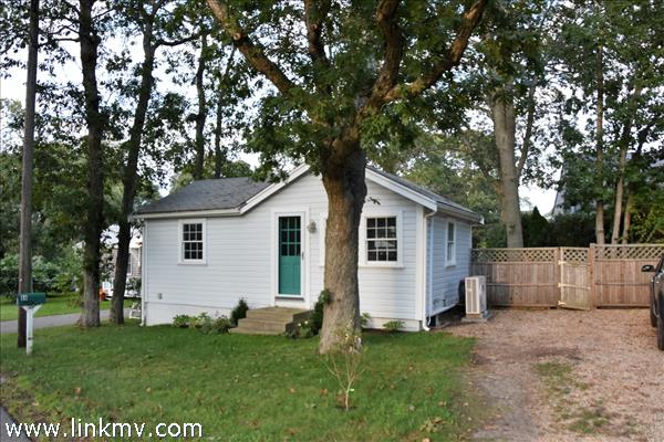 98 Pine Tree Road, Vineyard Haven, MA