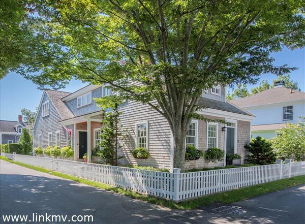 49 South Summer Street, Edgartown, MA
