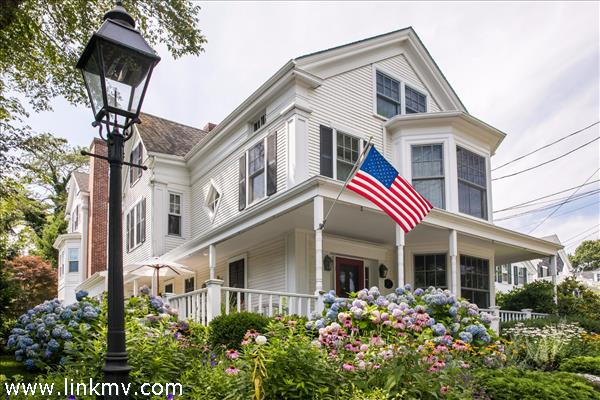92 Main Street, Vineyard Haven, MA