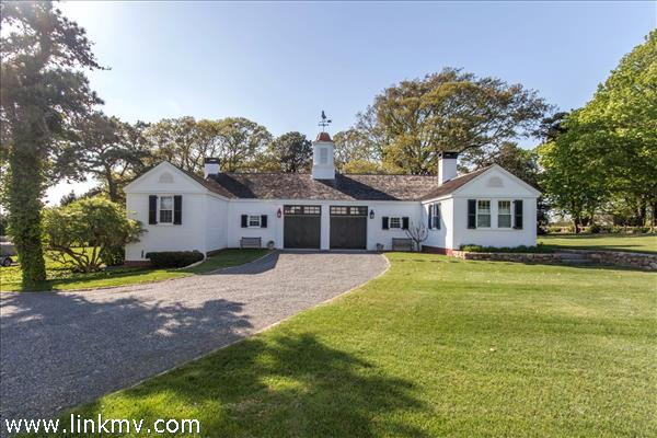 106 Peases Point Way North