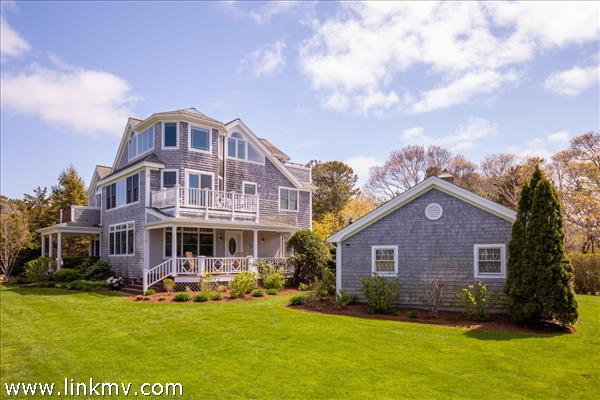 15 Dover Street, Oak Bluffs, MA