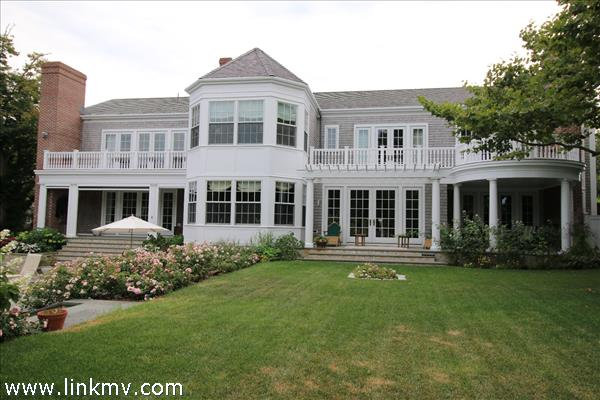 19 Pierce Lane, Edgartown, MA