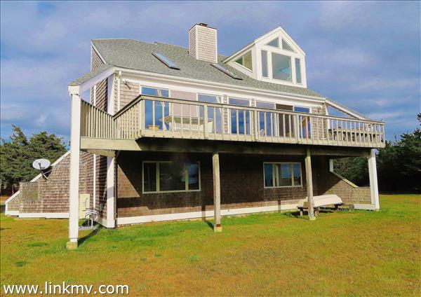 9 Mattakesett Way, Edgartown, MA