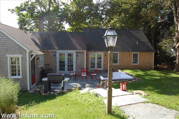 85 State Road, Vineyard Haven, MA