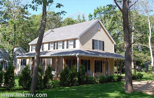 21 Leslies Lane, Oak Bluffs, MA