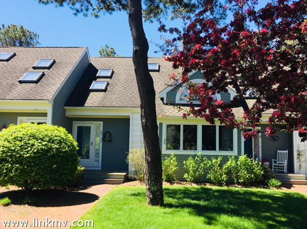 20 Meetinghouse Village Way, Edgartown, MA
