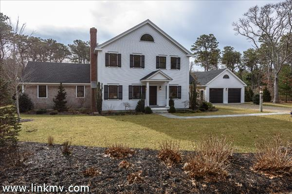 11 Plantingfield Wood Circle, Edgartown, MA