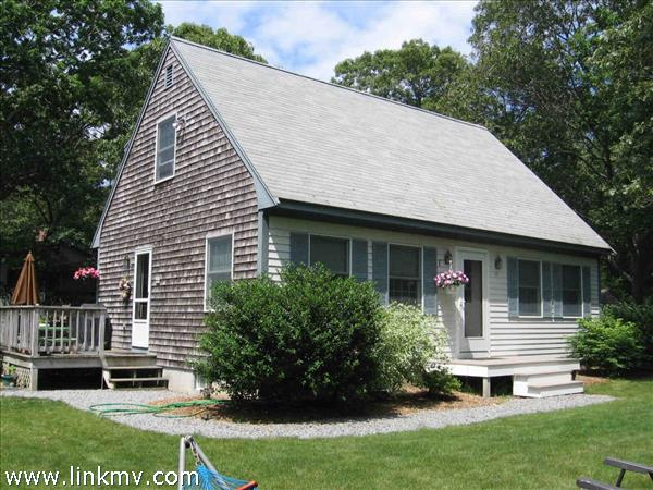 13 Hvoslef Way, Vineyard Haven, MA