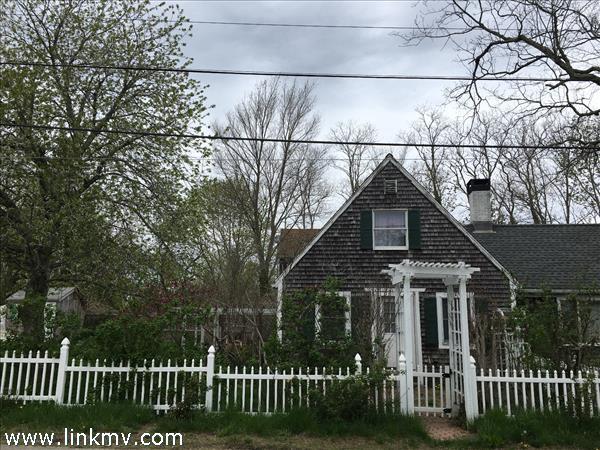 96 West William Street, Vineyard Haven, MA