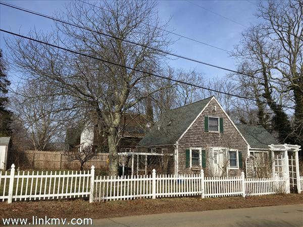 96 West William Street, Vineyard Haven, MA