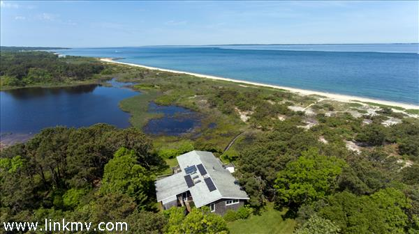 8 Sagamore Avenue, Vineyard Haven, MA