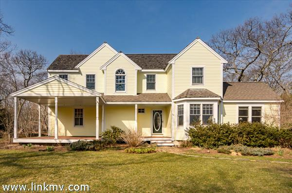 20 Bayes Hill Road, Oak Bluffs, MA