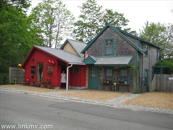 93 Dukes County Avenue, Oak Bluffs, MA