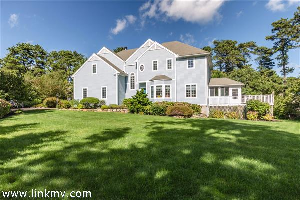 3 Mourning Dove Way, Oak Bluffs, MA