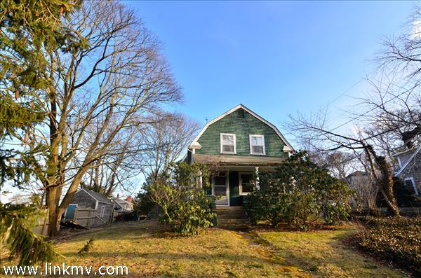 86 State Road, Vineyard Haven, MA