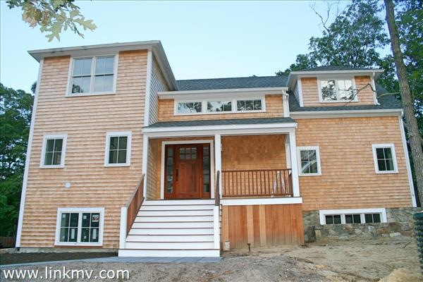 12 Bayberry Lane, Vineyard Haven, MA