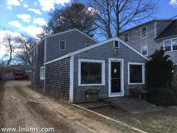 204 Upper Main Street, Edgartown, MA