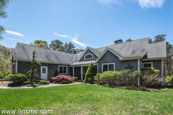 66 Stonegate Lane, Vineyard Haven, MA