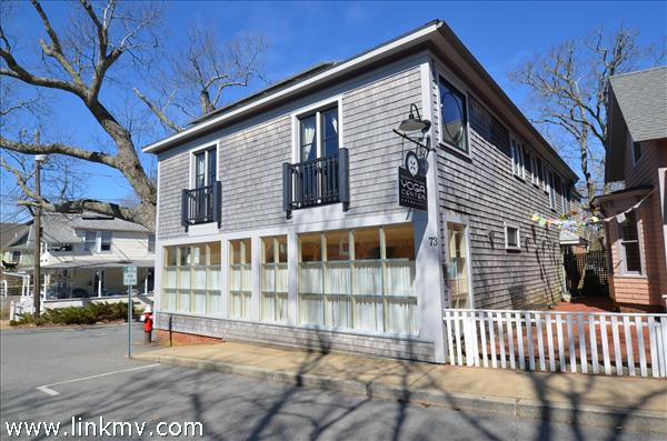 73 Circuit Avenue, Oak Bluffs, MA