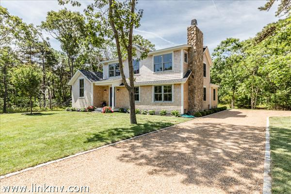 8 Vickers Street, Edgartown, MA