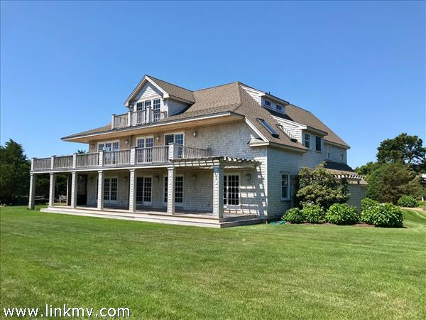 5 Plains Court, Edgartown, MA