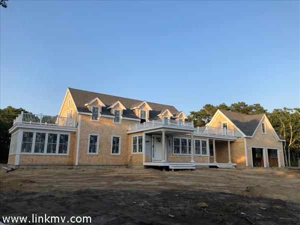 10 Paddock Road, Oak Bluffs, MA
