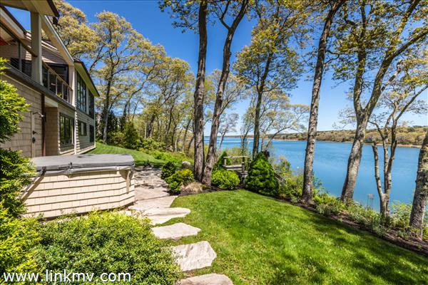 34 Pond View Way Vineyard Haven MA