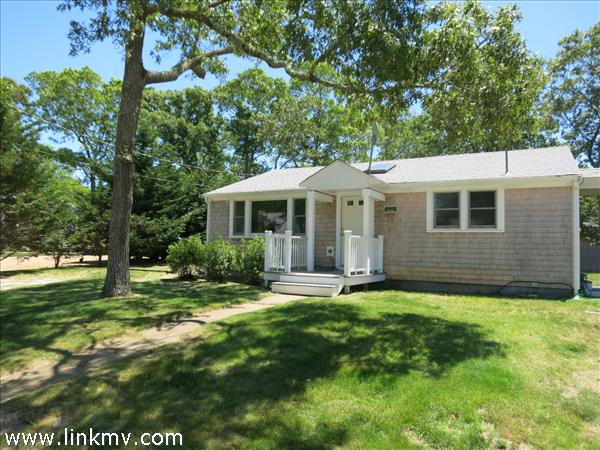 32 Boxberry Avenue, Vineyard Haven, MA