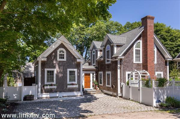 13 Reynolds Lane, Vineyard Haven, MA
