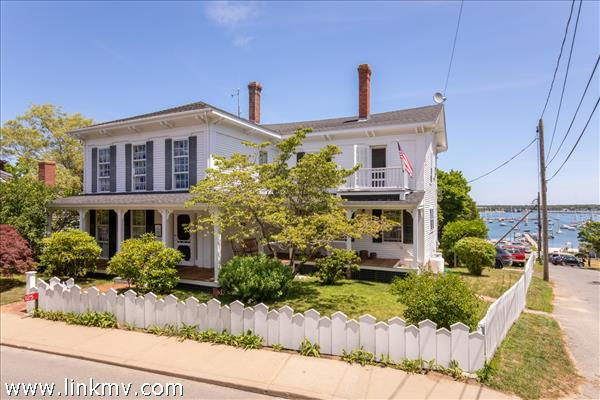 125 Main Street, Vineyard Haven, MA